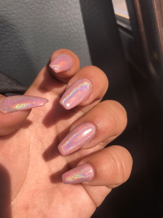 30 Ways to Spice Up Holographic Nails Look 4