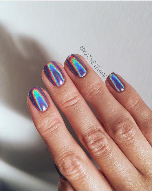 30 Ways to Spice Up Holographic Nails Look 9