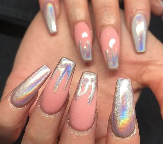 30 Ways to Spice Up Holographic Nails Look 14