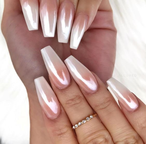 30 Ways to Spice Up Holographic Nails Look 16