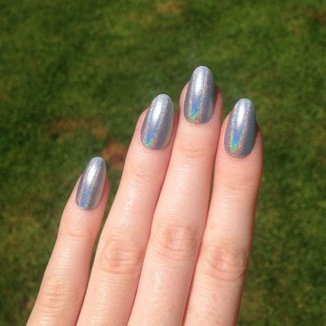 30 Ways to Spice Up Holographic Nails Look 17