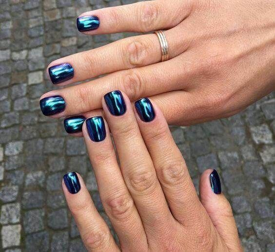 30 Ways to Spice Up Holographic Nails Look 19