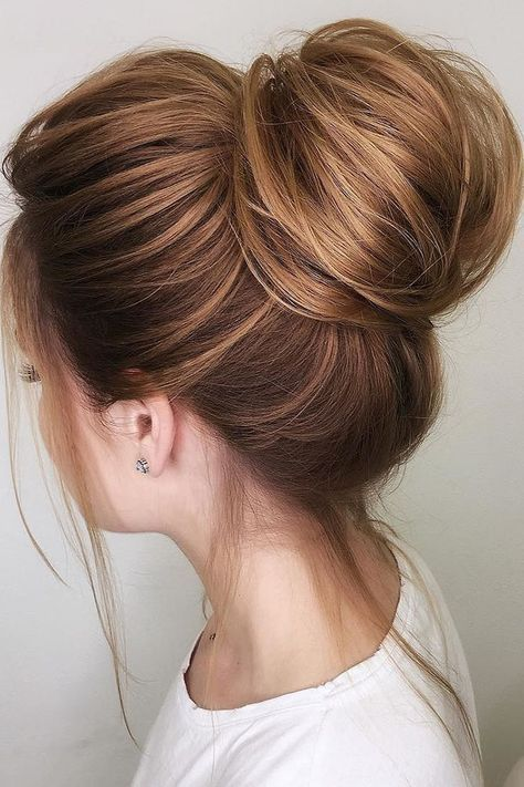 30 Unforgettable Homecoming Hairstyles for Your Special Night 2