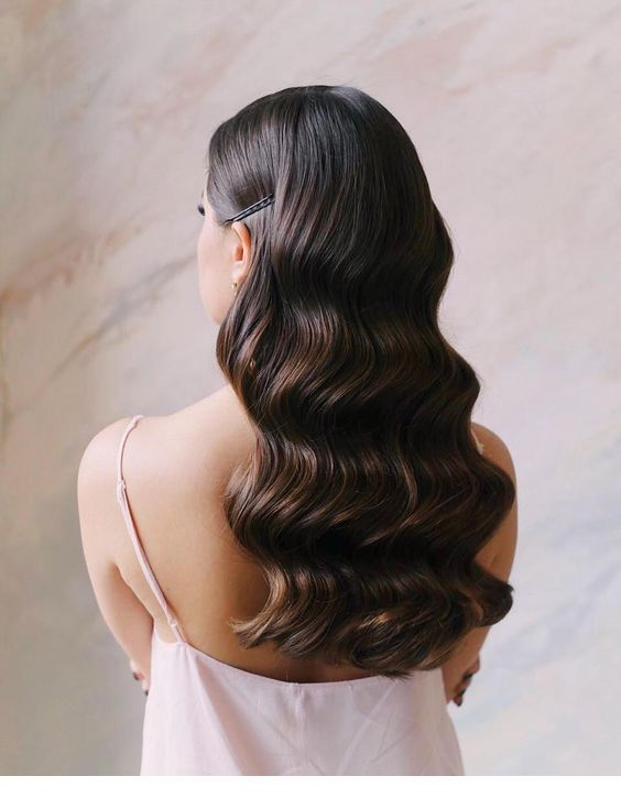 30 Unforgettable Homecoming Hairstyles for Your Special Night 7