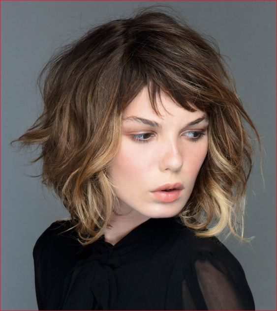 Simple Short Hairstyles for Prom 2019 - Wass Sell #hair #hairstyles #promhairstyles #promhairstylesforshorthair