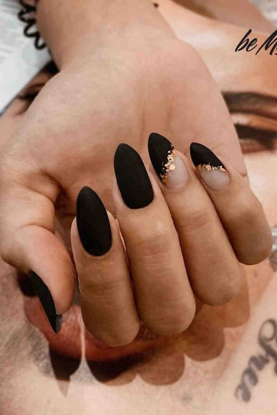 30 Beautiful Matte Nails for a Trendy Style 11