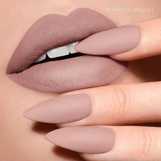 30 Beautiful Matte Nails for a Trendy Style 12