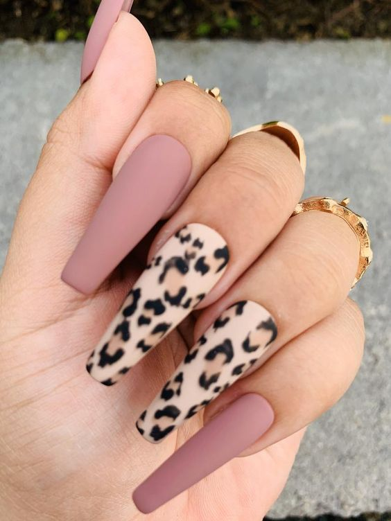 30 Beautiful Matte Nails for a Trendy Style 18