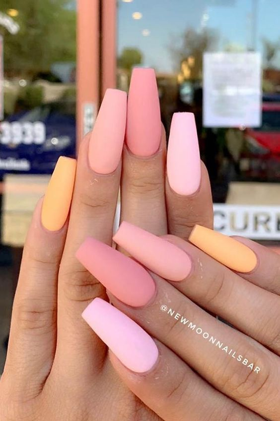 30 Beautiful Matte Nails for a Trendy Style 21