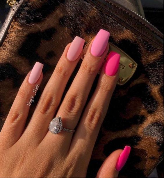 30 Beautiful Matte Nails for a Trendy Style 23