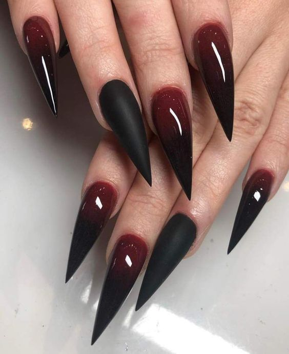 30 Amazing Stiletto Nail Designs for A Dramatic Look 5