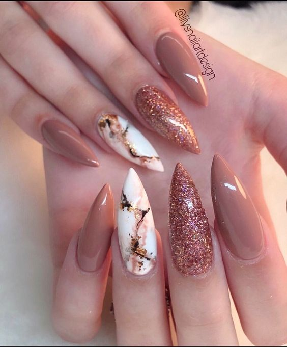 30 Amazing Stiletto Nail Designs for A Dramatic Look 6