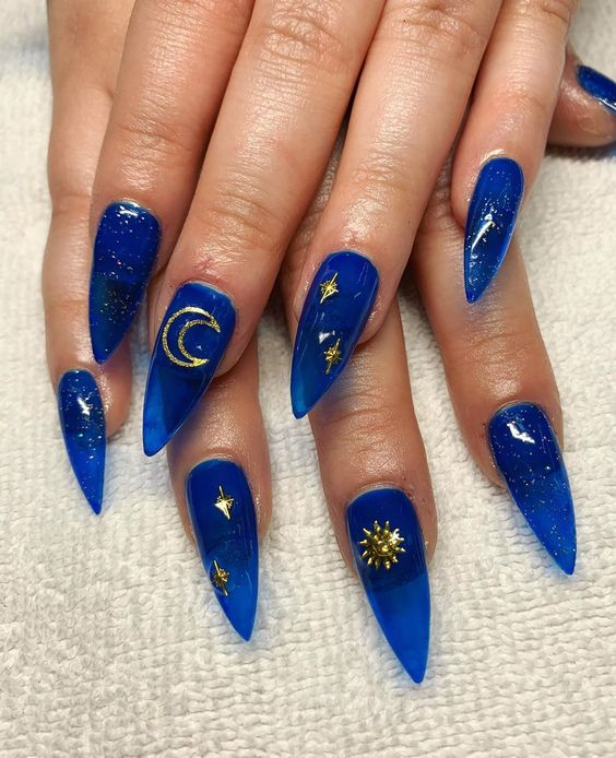 30 Amazing Stiletto Nail Designs for A Dramatic Look 9