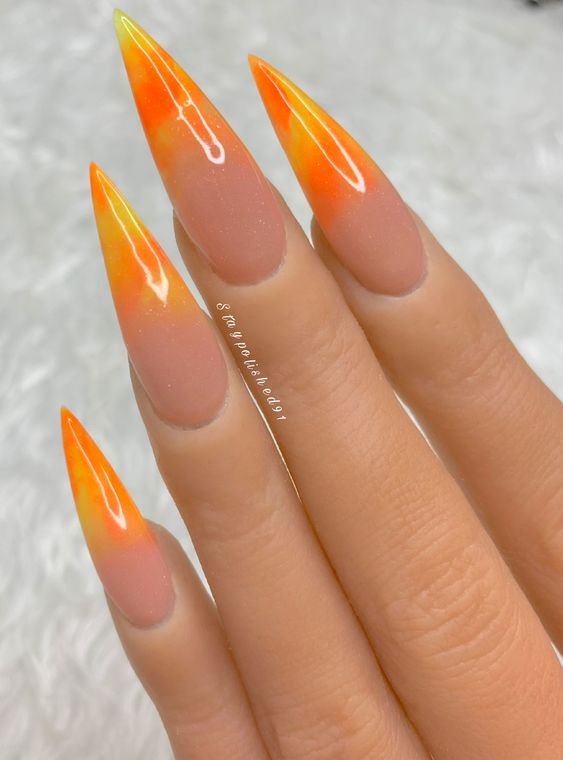 30 Amazing Stiletto Nail Designs for A Dramatic Look 10