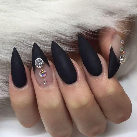 30 Amazing Stiletto Nail Designs for A Dramatic Look 13