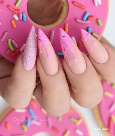 30 Amazing Stiletto Nail Designs for A Dramatic Look 20