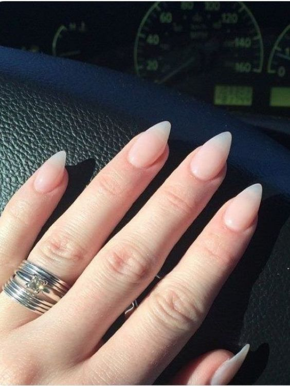 30 Amazing Stiletto Nail Designs for A Dramatic Look 28