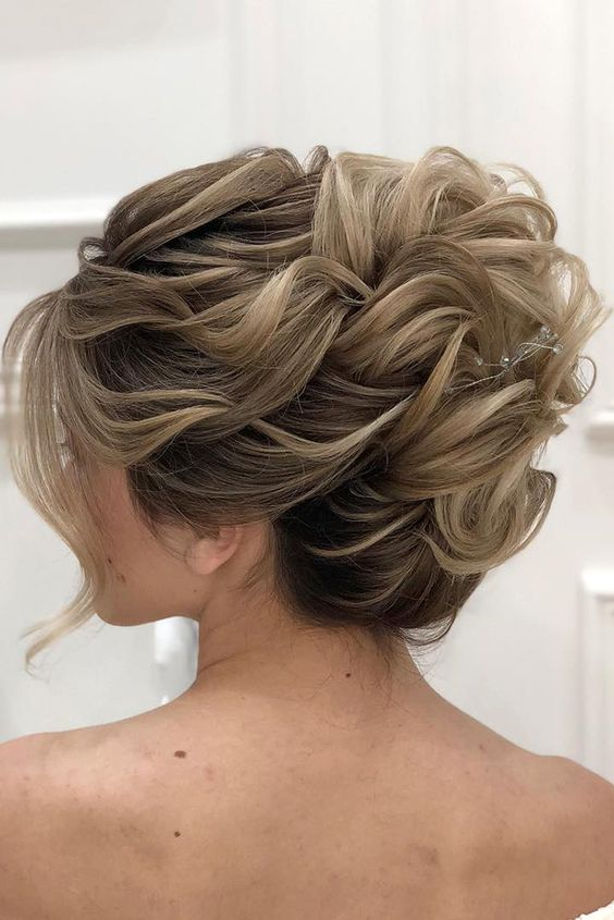 mother of the bride hairstyles high curly updo for medium hair zuhra_stylist