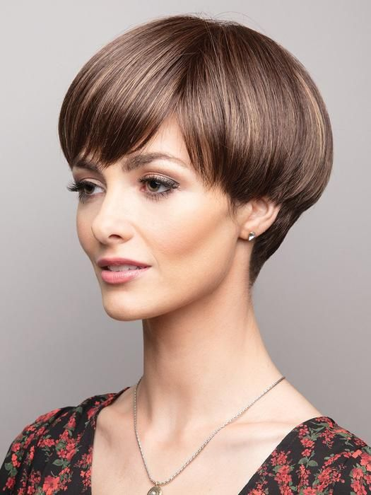 30 Stunning Wedge Haircuts To Fall In Love With
