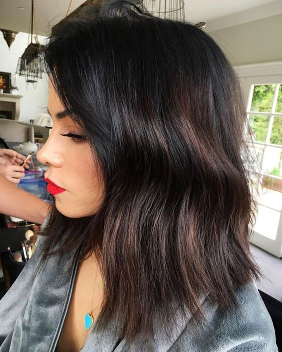 30 Black Hair With Highlight Ideas that Will Transform Your Style 4