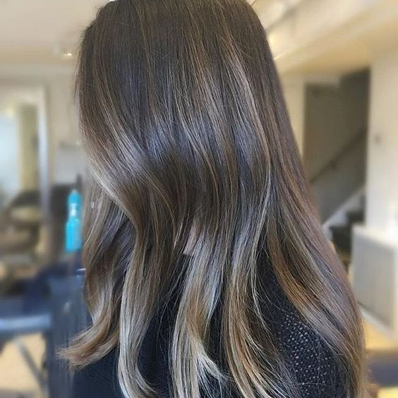 Soft fall blend. Color by @justhairobsession  #hair #hairenvy #hairstyles #haircolor #brunette #highlights #newandnow #inspiration #maneinterest
