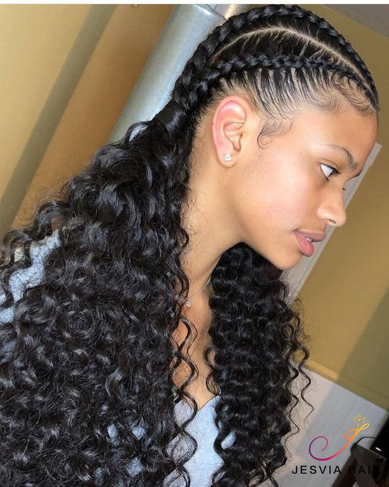 Pretty curly hairstyle. Perfect for summer. How do you like?